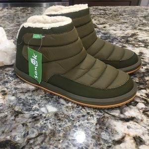 Sanuk Women's Puff N Chill Ankle Boot - Brand NWT